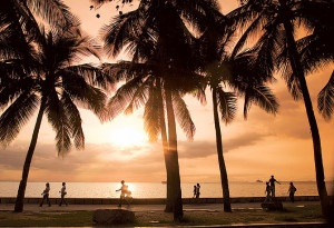 In the daytime, one of the best places to experience a bit of Manila is to visit Roxas Boulevard.