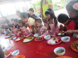 Feeding the Malnourised Children